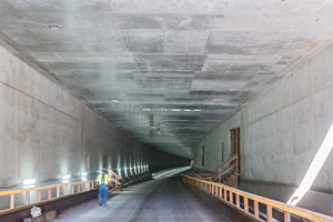 5)&nbsp;&nbsp;&nbsp;&nbsp;&nbsp;&nbsp;&nbsp;&nbsp; The view from the north towards the completed southern tunnel entrance <br />