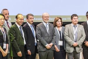 "<div class=""bildtext_en""><span class=""bildunterschrift_hervorgehoben"">20</span>The ITA Executive Council prior to the election of its new members</div>"