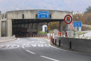 "<div class=""bildtext_en"">Since the start of December 2017, refurbishment works have been underway in the almost 10 km long Plabutsch Tunnel on the A 9 Pyhrn Autobahn, which has now relieved traffic from the city of Graz for 30 years</div>"