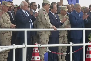 Egypt's President Abdel Fattah al-Sisi and Martin Herrenknecht were present at the TBM breakthrough (S-960) on December 23, 2017, at Ismailia. President al-Sisi emphasized that this project was crucial to Egypt's future <br />