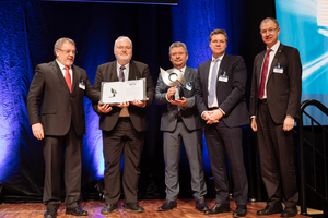 """<div class=""""bildtext_en"""">Dieter Thormann, Mike Flügel and Prof. Dr. Dirk Rumpf responsible for Network Planning and Major Projects for the DB Netz AG accept the 2017 STUVA Prize from STUVA board chairman Univ.-Prof. Dr.-Ing. Martin Ziegler (on the left) and STUVA CEO Dr.-Ing. Roland Leucker (on the right)</div><div class=""""bildtext_en""""></div>"""