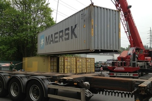 """<div class=""""bildtext_en"""">Loading a container in Bochum</div>"""