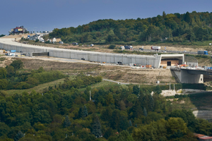 """<div class=""""bildtext_en"""">The 570 m long Katzenberg Tunnel on the A3 near Würzburg with an investment volume of 44 million euros is being built by cut-and-cover. The first construction section, the north tunnel, was opened on 1 March 2018</div> <div class=""""bildtext_en""""></div>"""