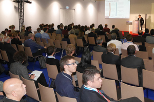 """<div class=""""bildtext_en"""">Paper being presented in a hall during the AFTES Congress</div>"""