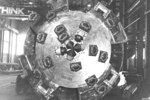 "<div class=""bildtext_en"">	The first disc cutters, just 11.5 inches in diameter, were produced by Robbins for the Humber River Sewer Tunnel TBM in 1956</div>"