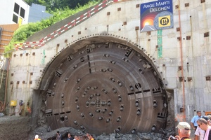 "<div class=""bildtext_en"">For the renovation of the Tunnel Belchen in Switzerland segments with steel fibre reinforced concrete were used for the tunnel lining</div>"