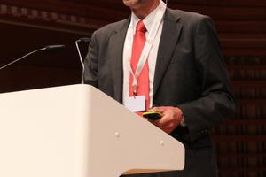 Nicolas Deschamps (BG ingénieurs conseils) sprach über technische Risiken und Umweltverträglichkeit beim Projekt Grand Paris Express