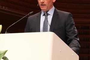 Stefan Maurhofer, Präsident der Swiss Tunnelling Society, begrüßte die Gäste des 17. Swiss Tunnel Congress