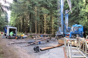 4Hydraulischer Test in der mit 200 m tiefsten Bohrung zur Bestimmung der Durchlässigkeit der grundwasserführenden Schicht