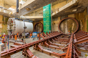 After accepting a cost reduction of 21.5 %, MMC-Gamuda will continue the underground works on Kuala Lumpur's MRT Line 2. This agreement with Malaysia's Ministry of Finance averted the impending termination of the contract by the client. The picture shows tunneling works at the Titiwangsa MRT station