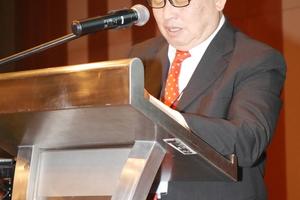 """<div class=""""bildtext"""">Dr. Teik Aun Ooi, Vorsitzender des WTC 2020 und des SEASET 2018, begrüßte die Teilnehmer </div>"""