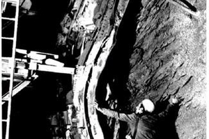 """<div class=""""bildtext"""">5Squeezing rock during construction of the Gotthard Road Tunnel</div>"""