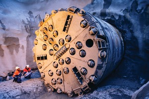 "<div class=""bildtext"">1	Hard rock tunnel boring machine</div>"