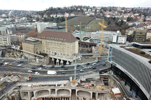 One of the technically most laborious sections of Stuttgart 21: the north head of the future Stuttgart main station with the underpinned former federal railway directorate and the Heilbronner Strasse <br />