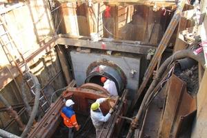 """<div class=""""bildtext"""">1Microtunnelling: access shaft below tracks</div>"""