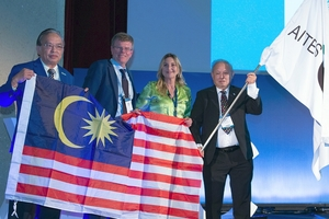 """<div class=""""bildunterschrift_en""""><span class=""""zahl_bildunterschrift"""">13</span>The ITA flag was handed over to the organiser of the 2020 WTC (Kuala Lumpur, Malaysia)</div>"""