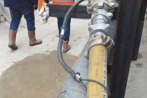 """<span class=""""zahl_bildunterschrift"""">3</span>Well secured with hose breakage securing cable, which however could be a bit tighter"""