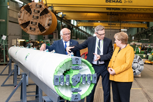 E-Power Pipe, Herrenknecht's new method for the trenchless installation of underground cables greatly impressed the Chancellor <br />