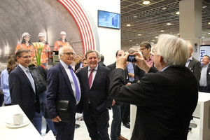 Martin Herrenknecht and Gerhard Schröder pay a visit to the STUVA Expo, and former STUVA CEO Alfred Haack captures the moment.<br />