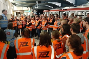 "<div class=""bildunterschrift_en"">Full-scale exercise in the Lyon Metro: the eighty participating passengers receive their final instructions</div>"