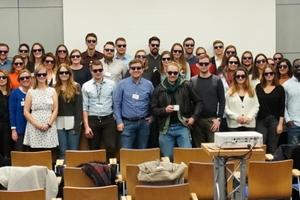 """<div class=""""bildunterschrift_en""""><span class=""""zahl_bildunterschrift"""">5</span> The traditional group photo with sunglasses of STUVA-YEP</div>"""