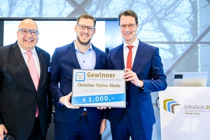 Award sponsor and IKT Managing Director Roland W. Waniek (left), the Infratech Young Talent Award 2020 winner Christian Rhein (center) and NRW Transport Minister Hendrik Wüst as patron (right)