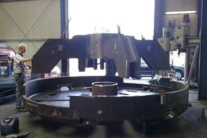 Bau eines 3600-mm-Bohrkopfs in den Fertigungshallen der Mika GmbH<br />