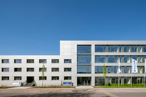 Completed in good time for the 60th anniversary: the new building in Cologne is the tailored headquarters for the forthcoming tasks of the STUVA (right: the new building, left: the refurbished and let former building)