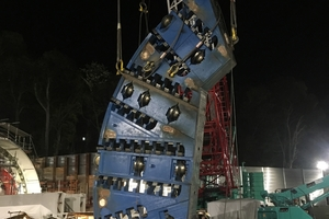 "<span class=""zahl_bildunterschrift"">8</span>   The cutterhead was designed and manufactured in 10 segments, which were assembled on site"