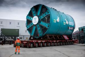 "<span class=""zahl_bildunterschrift"">4</span> | The fully assembled TBM on its way to the starting shaft"
