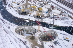 Four shafts are necessary for the ground freezing process to excavate the total of four tunnel bores under the river: two main tunnels and two connecting tunnels