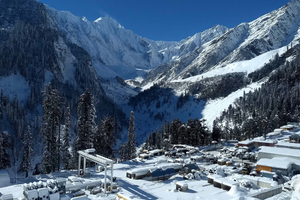 Left: Rohtang construction site at the South Portal high in the Himalayas