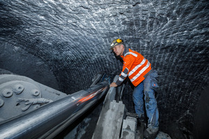 Robbins Field Service personnel inspect the cutting face of the MDM5000 tunnel operation