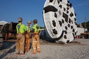 The cutterhead for the 6.2 m diameter Robbins TBM currently boring the DigIndy tunnels. The veteran Main Beam TBM will have bored more than 51 km once complete with its tunnels in Indianapolis