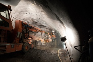 """<div class=""""bildtext_en"""">Conventional tunnelling started in autumn 2016. Working three shifts, a distance of 168 m has been conventionally excavated in soft ground</div>"""