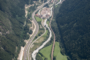 """<div class=""""bildtext_en"""">The construction of the Isarco river underpass is scheduled to be completed in 2023</div>"""