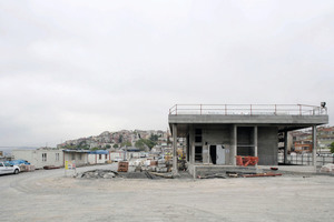 "<div class=""bildtext_en"">The future entrance to the Kadiköy Metro station. This was used as the main tunnel entrance during the construction phase</div>"