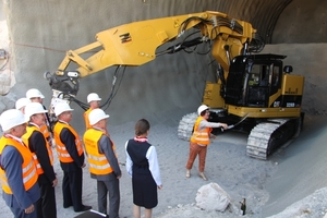 "<div class=""bildtext_en"">Gerlinde Kretschmann, the wife of the Baden-Wurttemberg regional premier, heralded in the start of work on the Albabstieg Tunnel as tunnel sponsor</div>"
