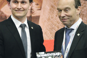 "<div class=""bildtext_en"">Jurij Karlovsek (on the left), the chairman of the Young Members Group presented the first issue of the magazine ""Breakthrough"" to the ITA president </div>"
