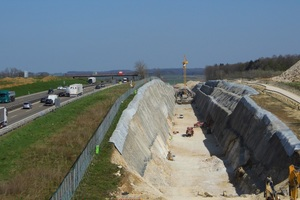 """<div class=""""bildtext_en"""">7)Parallel courses of the Widderstall Tunnel and the A8 motorway 