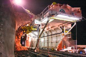 Tunnel-Erweiterungs-Maschine (Tunnel-im-Tunnel-Methode)<br />