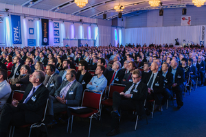 """<div class=""""bildtext_en"""">1) Packed house for the 2015 STUVA Conference in Dortmund with more than 1800 conference participants: there were few empty seats for the opening addresses on early Tuesday morning 