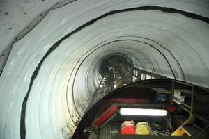 """<div class=""""bildtext_en"""">Installed tunnel membrane </div>"""