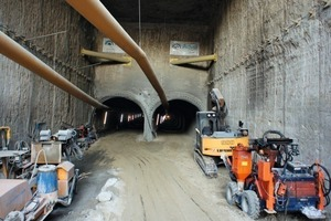 The drive in Tunnel A below the Malinov Boulevard is progressing