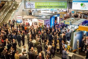 """<div class=""""bildtext_en"""">The exhibition area in front of the Construction Congress venue provided space for around 100 booths. Congress participants took avail of the time between sessions for exchanging views and networking 
