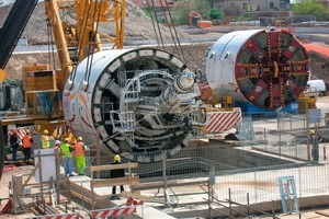4  Line C: The shield machines, including erector and screw conveyor, were completely assembled above ground at the target shaft and then lowered into the shaft as a whole
