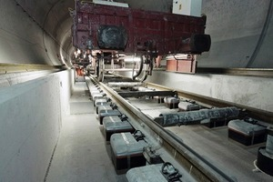 Installing the slab track in the Lötschberg Base Tunnel