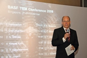 Lars Langmaack, Technical Manager TBM – Meyco Global Underground Construction, welcomes the participants of the TBM Conference<br />