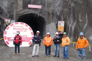 "<div class=""bildtext_en"">Portal of the Punta Olimpica Tunnel during the visit of the regional president in May 2013 with production and security team</div>"