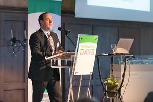 "<div class=""bildtext_en"">Stefan Medel, CEO of Herrenknecht Formwork presented the programme </div>"